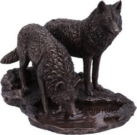 "Figurine Deux Loup ""Warriors of Winter"" de Lisa Parker aspect bronze"