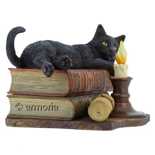 "Figurine Chat Noir couché sur Grimoires ""The Witching Hour"" de Lisa Parker"