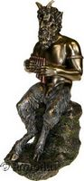 Figurine du Dieu Pan assis sur Rocher